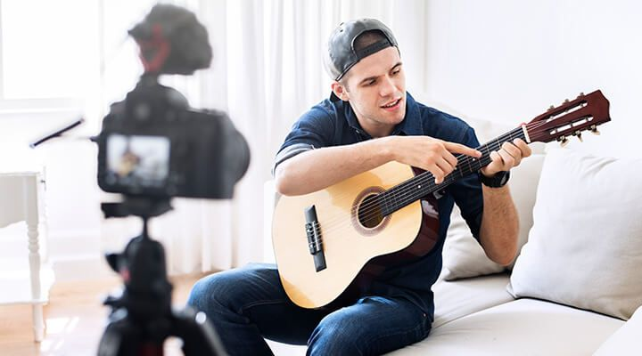 A guitar player vlogger